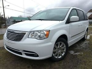 2015 Chrysler Town & Country Touring Dual Video Screens|Dual Pwr