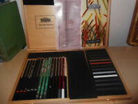 Art Derwent Sketching Set brand new