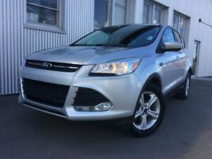 2014 Ford Escape SE, 4X4, BACKUP CAM, HEATED SEATS, BLUETOOTH.