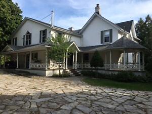 Beautiful Home Close to Downtown Kingston
