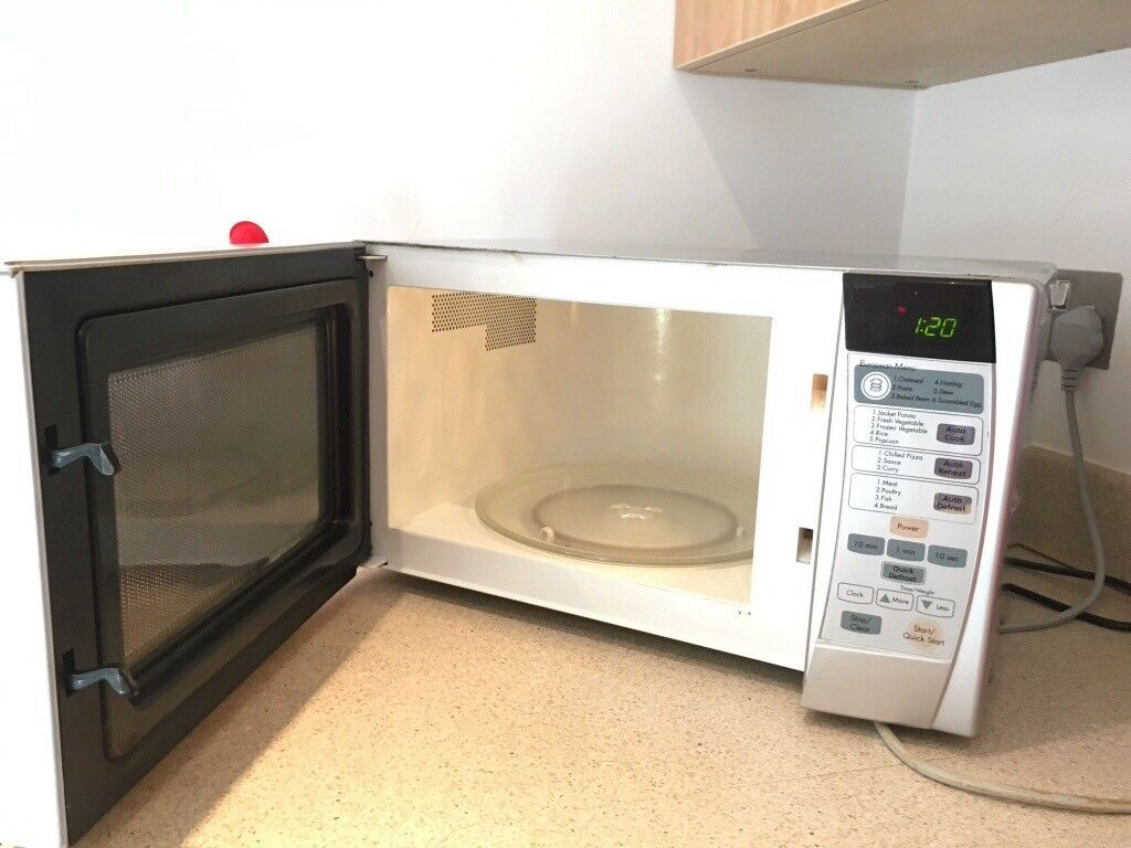 Lg Microwave Oven 3 Years Old In Good Condition