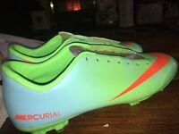 Boys football boots size uk6