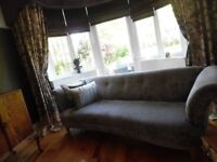 BEAUTIFUL LARGE SOFA EXCELLENT CONDITION LIKE NEW COST £1000 ABSOLUTE BARGAIN £375.00
