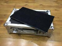 "Flightcase Warehouse Spider Professional ""Small"" pedalboard and full flightcase"