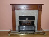 COMPLETE FIREPLACE INCLUDING ELECTRIC FIRE AND BRASS FENDER/SURROUND