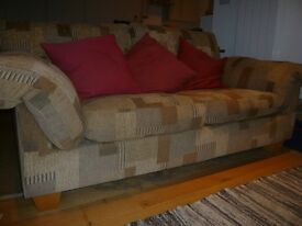 Maskreys 2-seat sofa - removable covers, comfortable quality piece in good condition