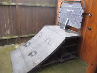 Rampage Skate/Scooter Quarter Pipe excellent condition with spare back and sand bags