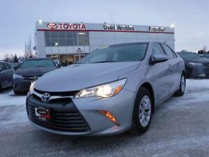 2015 Toyota Camry LE Local One Owner!\Low KMS