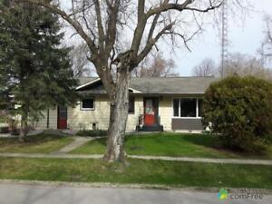 $175,900 - Bungalow for sale in Roland