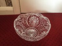 VINTAGE HEAVY CUT LARGE GLASS FRUIT BOWL TRIFLE SERVING DISH