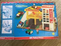 Fisher Price Vintage Play Family Action Garage