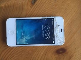iPhone 4 - White - 8GB - EE - Fully functional with a cracked screen.