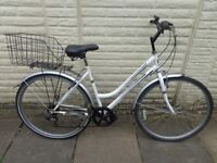 ladies professional hybrid bike, basket, very good condition ready to ride FREE DELIVERY
