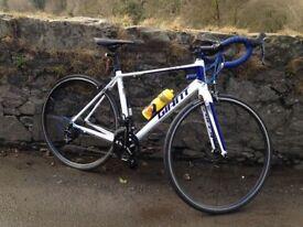 Giant defy road bike 11 speed