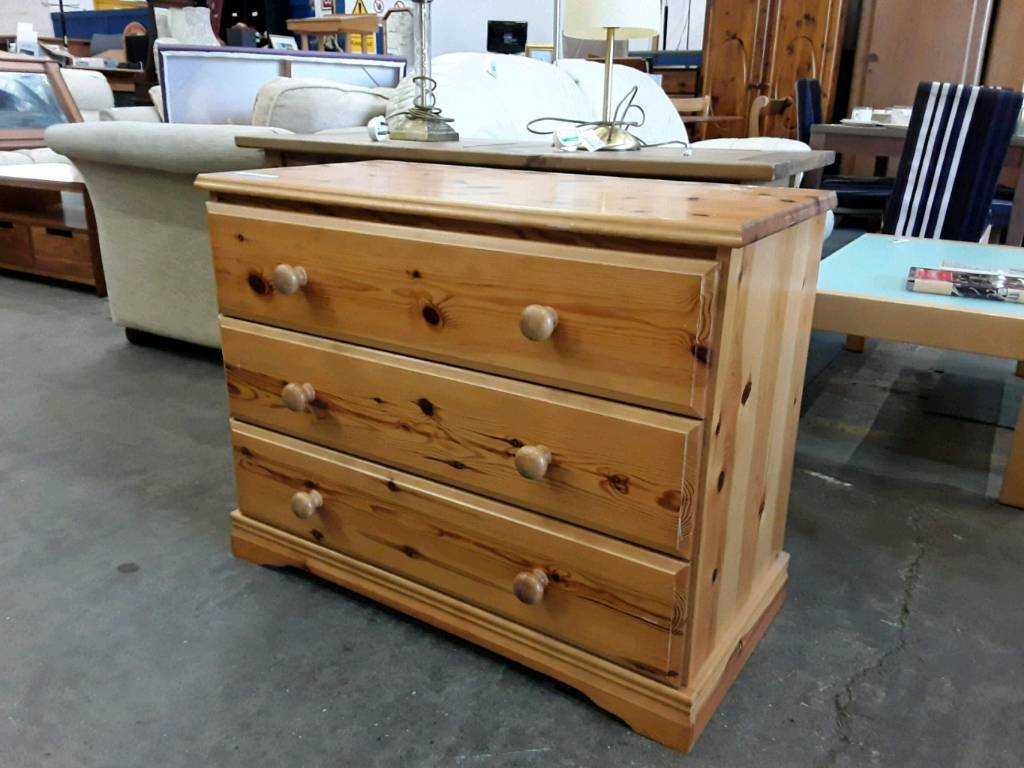 Bedroom Pine Set of Drawers. Delivery Available