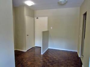 London 3 Bedroom Apartment for Rent: Old South area, quiet, safe