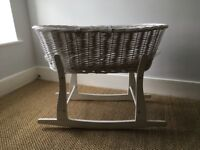 MOSES BASKET W/ ROCKING STAND