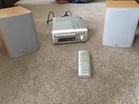 Denon UD-M31 Audio Shelf System cd , fm radio. aux with remote