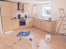 2 bedroom flat to let £950 per month plus bills (Southlake Parade, Woodley)