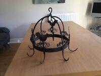 Circular metal kitchen hanger