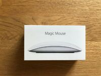 Magic Mouse 2 - Silver + Magic Keyboard - British English