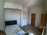 1 bedroom in Boyn Valley Road, Maidenhead, SL6 (#1194182)