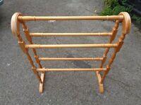 Pine towel rail (freestanding)