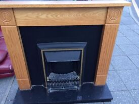 ELECTRIC FIRE & SURROUND COMPLETE UNIT FIRE WITH DIFFERENT SETTING LOW MEDIUM HIGH DELIVERY FREE