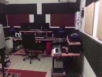 🎸🎸 Large Soundproofed Music Studio ideal for Music Production♫ [✔] 24/7 Access [✔] Super Fast Wifi