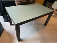 £100 (ONO) Ligne Roset dining table and four chairs