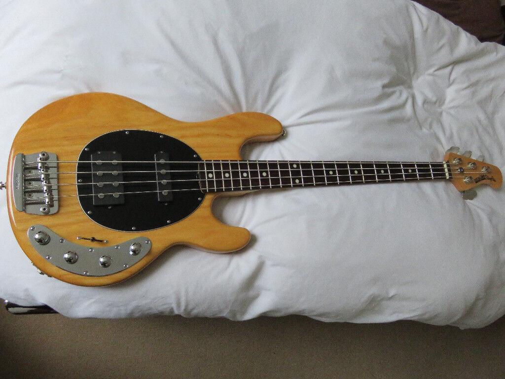 Music Man Stingray HS Bass Guitar with Music