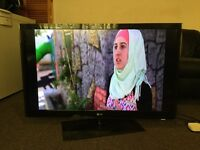 "37"" L.G 37LH2000 FULL HD TV WITH BUILT IN FREE VIEW IN GREAT CONDITION."