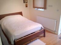 LARGE ONE BEDROOM FLAT IN PALMERS GREEN N13 - PART DSS WELCOME WITH GUARANTOR