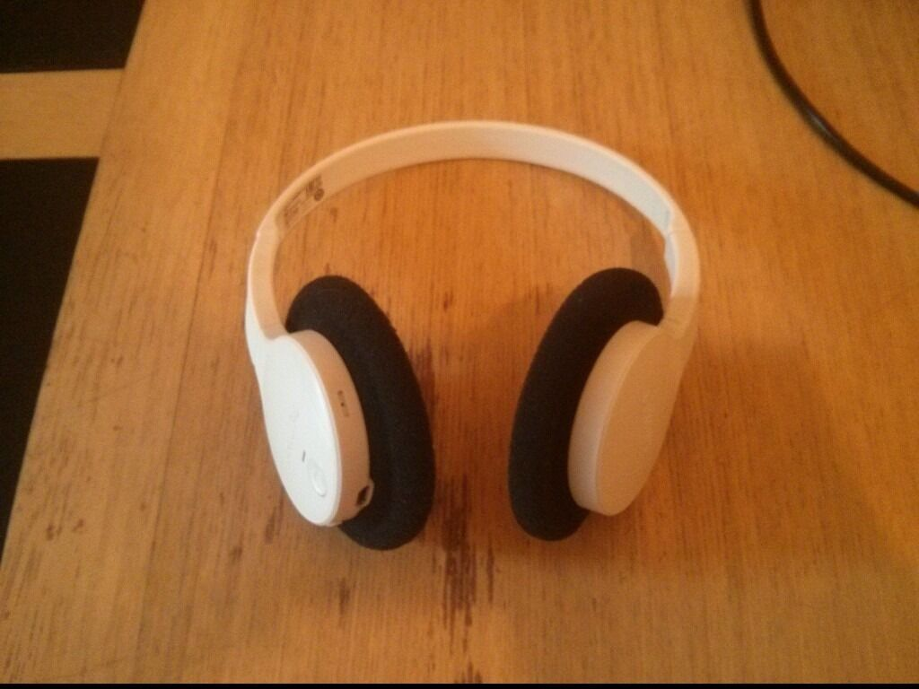 Philips SHB4000WT Wireless bluetooth over ear Stereo headphones - White c40563335f