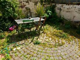 Double room in a large, two beds house right in the heart of Montpelier, £125 pw