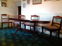 Fine Oval Mahogany Dining Table with Claw Feet and 4 Lovely Chairs - bargain price