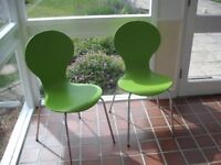 A PAIR OF LOVELY GREEN COLOUR MODERN DINING CHAIRS - FROM 'MADE'