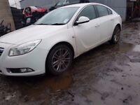 2009-2013 VAUXHALL INSIGNIA 2.0 CDTI A20DTH 6 SPEED MANUAL F40 IN WHITE FOR BREAKING ONLY
