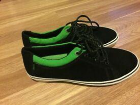 Men's Vans black and green skater shoes size 10