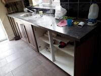 Kitchen units and sink/tap