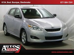 2012 Toyota Matrix TOIT OUVRANT + MAGS + CRUISE + A/C