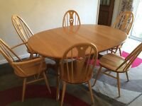 Beautiful Ercol Windsor 6-8 Extending Dining Table & 6 Chairs