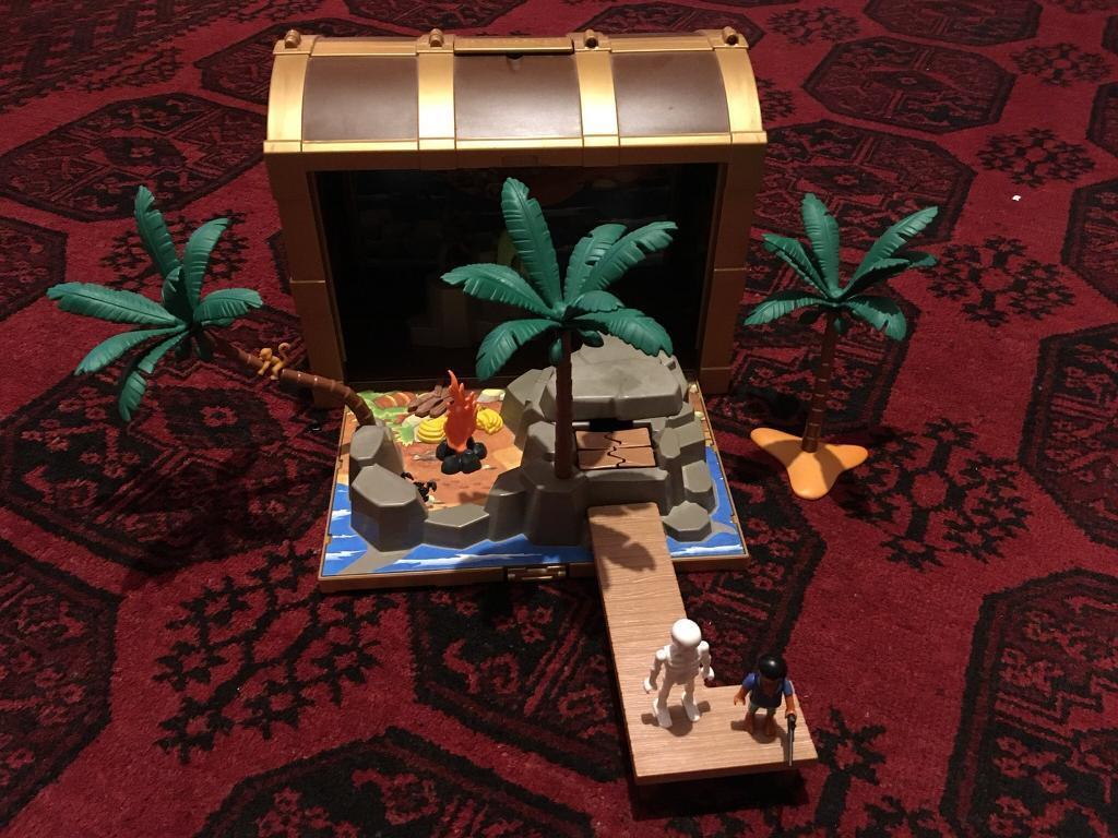 62ad3db6e16 Playmobil pirate island treasure chest. New Town