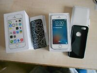 iPhone 5S - 16GB - WHITE - Excellent Condition - Boxed with Charger, Earphones, Cases etc