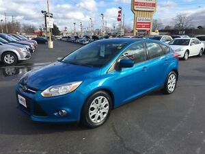 2012 FORD FOCUS SE- CRUISE CONTROL, KEYLESS ENTRY, POWER MIRRORS