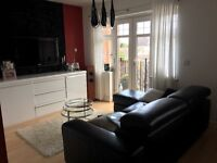 2 bedroom flat/apartment in Kingston for sale