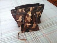 Michael kors hand bag and matching purse