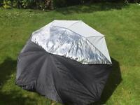 """Calumet 60"""" Silver/White Umbrella."""