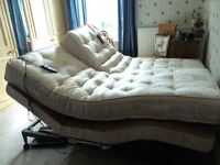Craftmatic Adjustable beds x 2 2''6' can be used as double, Fully adjusts, wave, massage functions