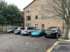 * modern studio * Allocated PARKING * Now available * Near tube station *